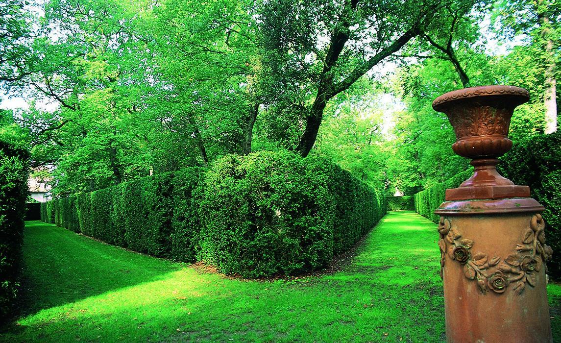 Le labyrinthe du parc du château de Merville