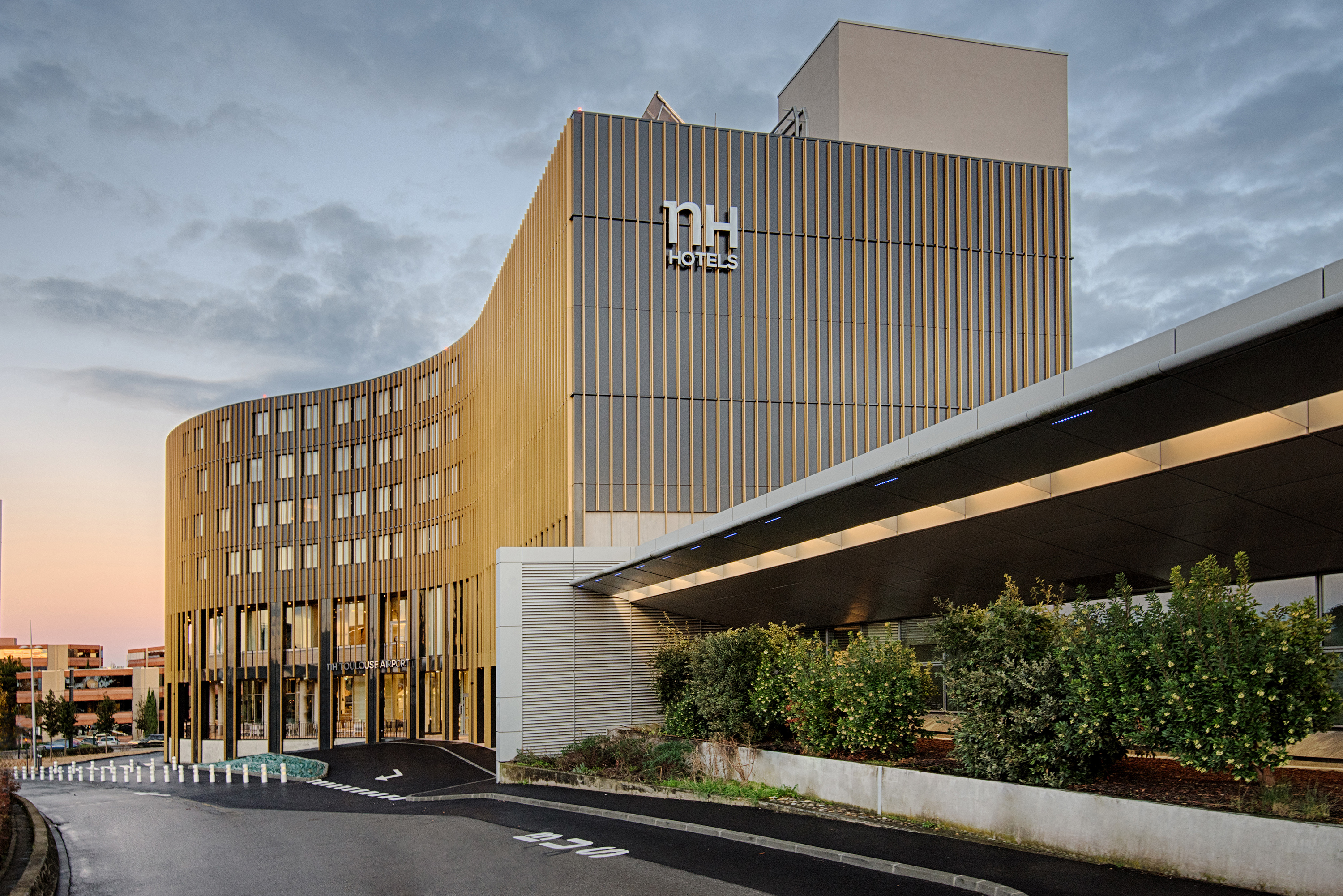 NH HOTEL TOULOUSE AIRPORT