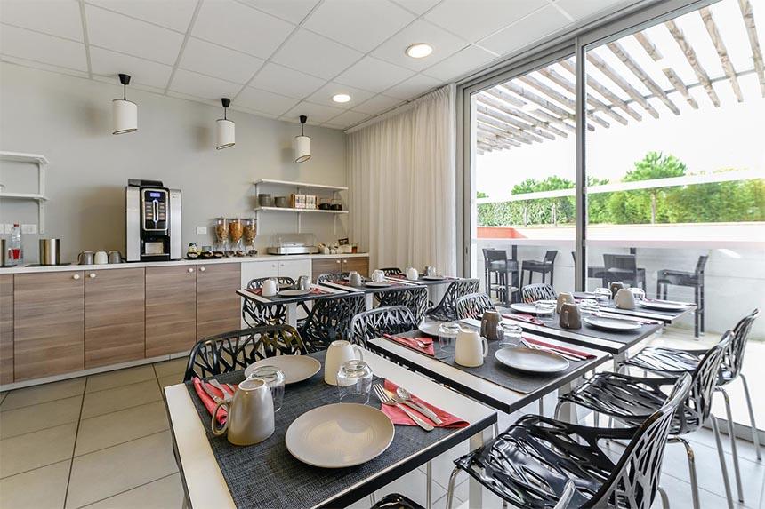 Meetings –  Appart'City Confort Toulouse Aéroport Cornebarrieu, petit-déjeuner
