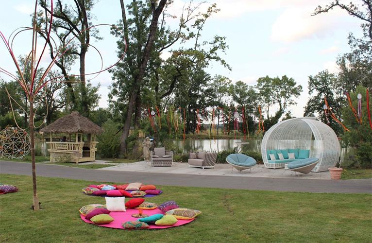 Meetings - Château de la Garrigue, repos dans le parc