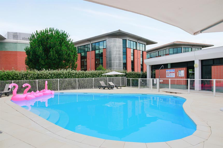 Appart'City Confort Toulouse Aéroport Purpan, piscine